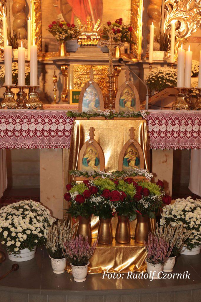 Koronacja w parafii św. Katarzyny Aleksandryjskiej w Karchowicach